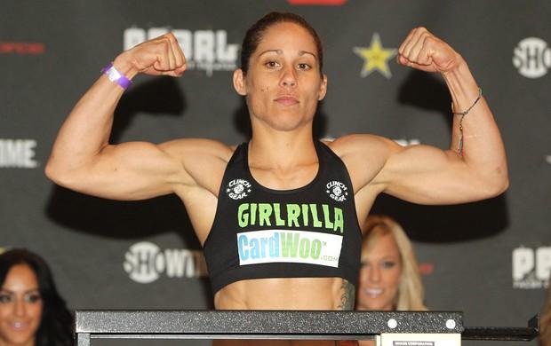 Liz Carmouche admitiu ser lésbica após deixar os fuzileiros navais e entrar no MMA (Foto: Getty Images)