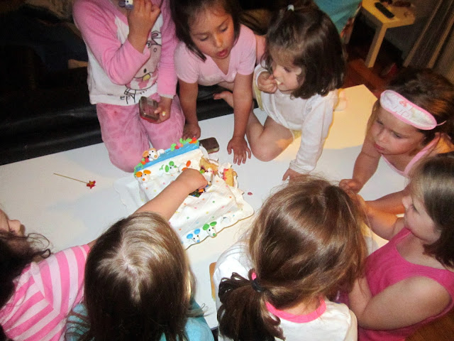 slumber party cake ideas