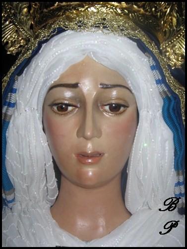 Tus bellos Ojos radian la Paz de Nuestra Hermandad
