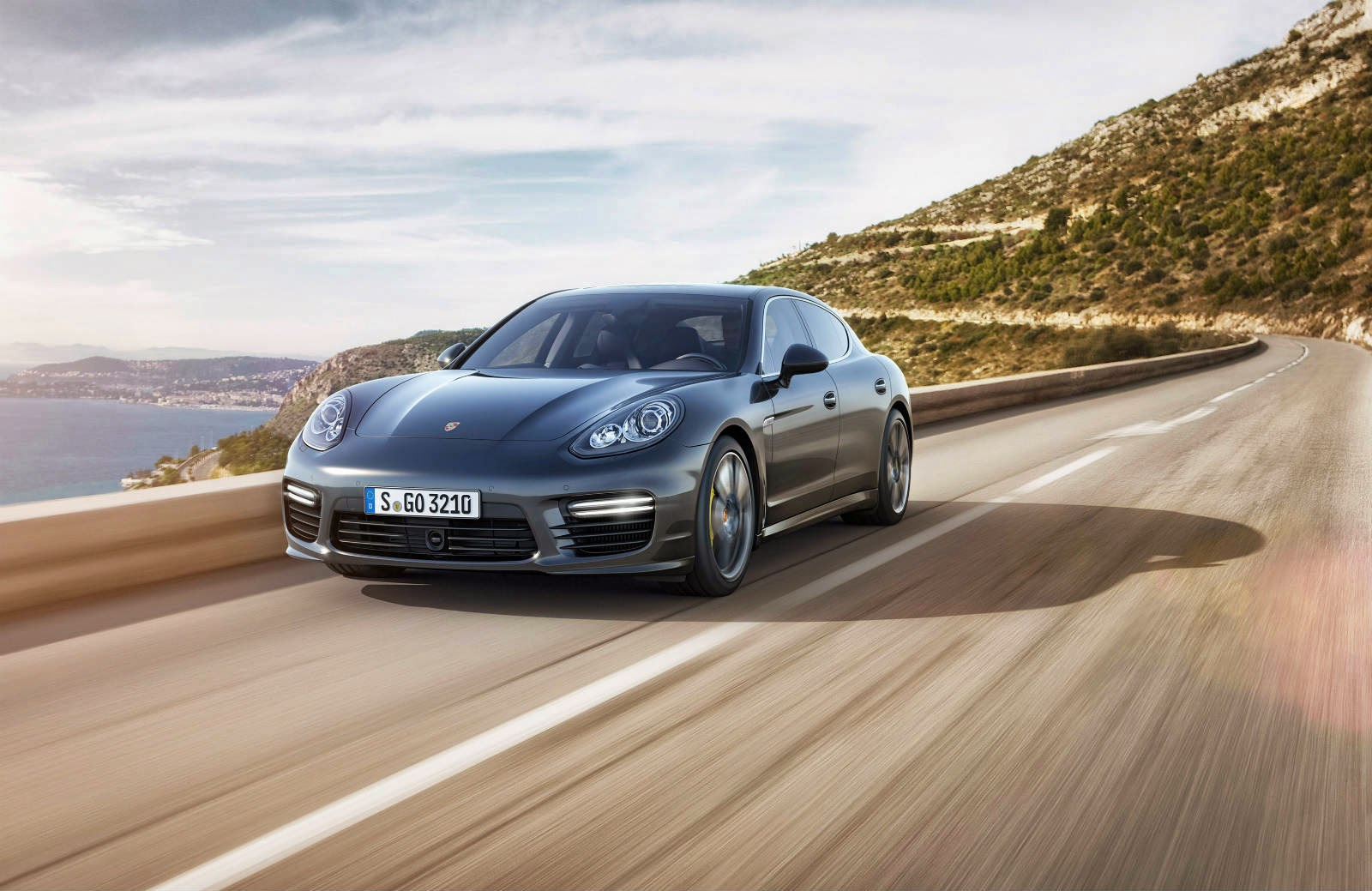 Rencontrer Porsche Panamera Turbo S 2014