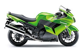 Groene Kawasaki motor op witte achtergrond