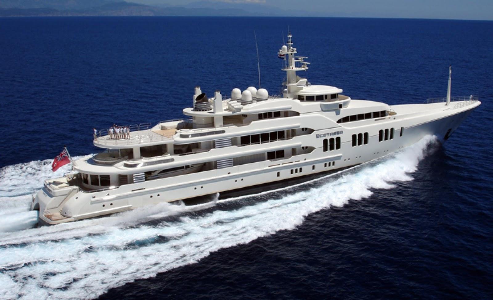 Megayacht ECSTASEA Starboard