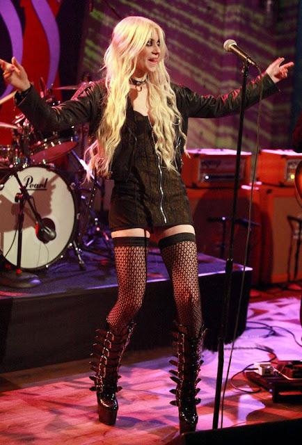Taylor Momsen's punk attire