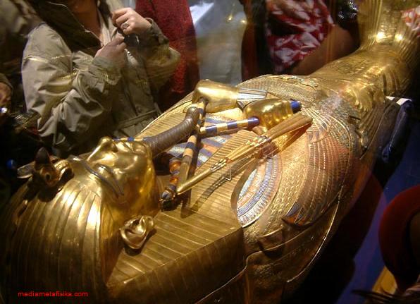 Misteri Kutukan Firaun
