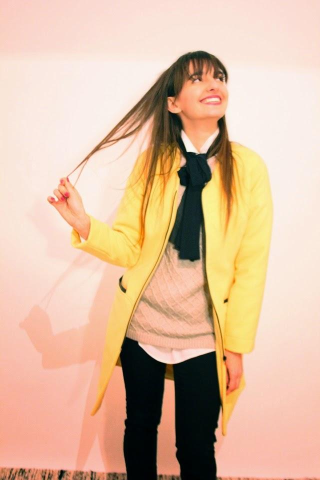 Abrigo amarillo Guillermina Ferrer