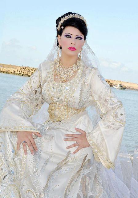 location takchita marocaine vente caftan en ligne boutique caftan marocain. Black Bedroom Furniture Sets. Home Design Ideas