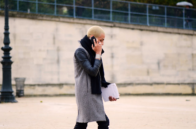 Paris, Street Style, Mobile Phone, Call Me, Travels, Line, Snappylifestyle