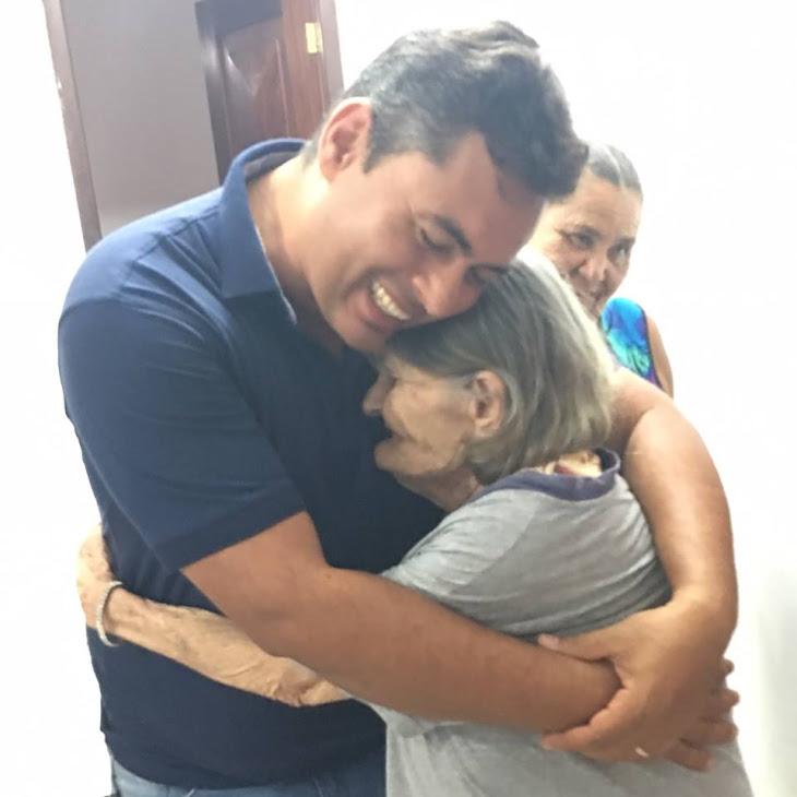 Serrinha:Vice prefeito Berg visita fundação de Acolhimento Social