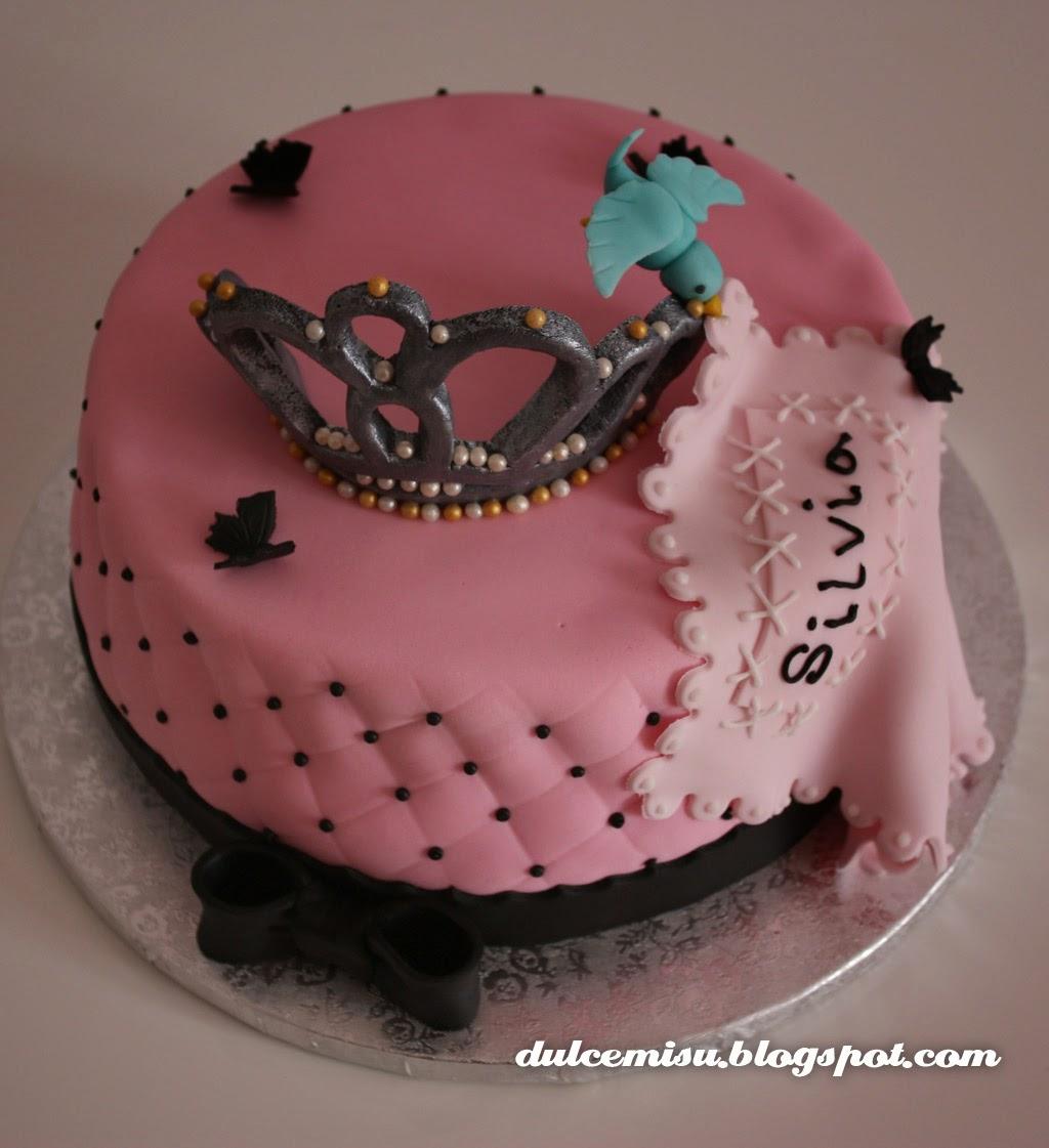 tarta, despedida de soltera, plumas, fondant, dulcemisu, repostería creativa, princesa, corona