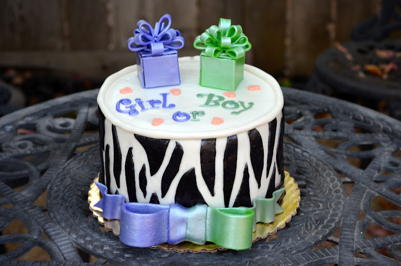 Traylor Made Treats: Gender reveal cake