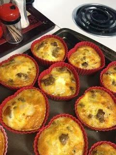 http://5ingredientpaleo.blogspot.com/2013/07/breakfast-omelette-egg-muffins.html