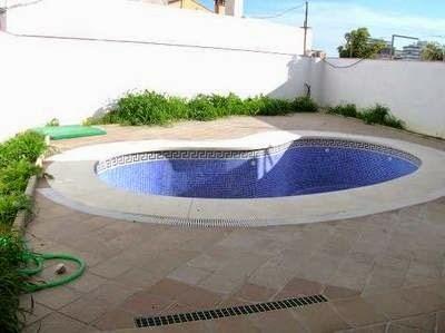 Piscinas lindas y modernas en fotos dise o de piscinas for Piscinas pequenas de obra