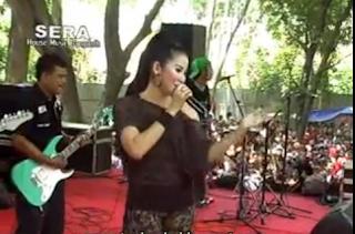 http://bangdoel38.blogspot.com/2013/05/download-video-house-music-dangdut-sera.html