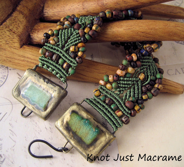 Micromacrame bracelet with beads and clay end pieces