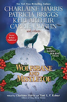Cover of Wolfsbane and Mistletoe edited by Charlaine Harris and Toni L. P. Kelner