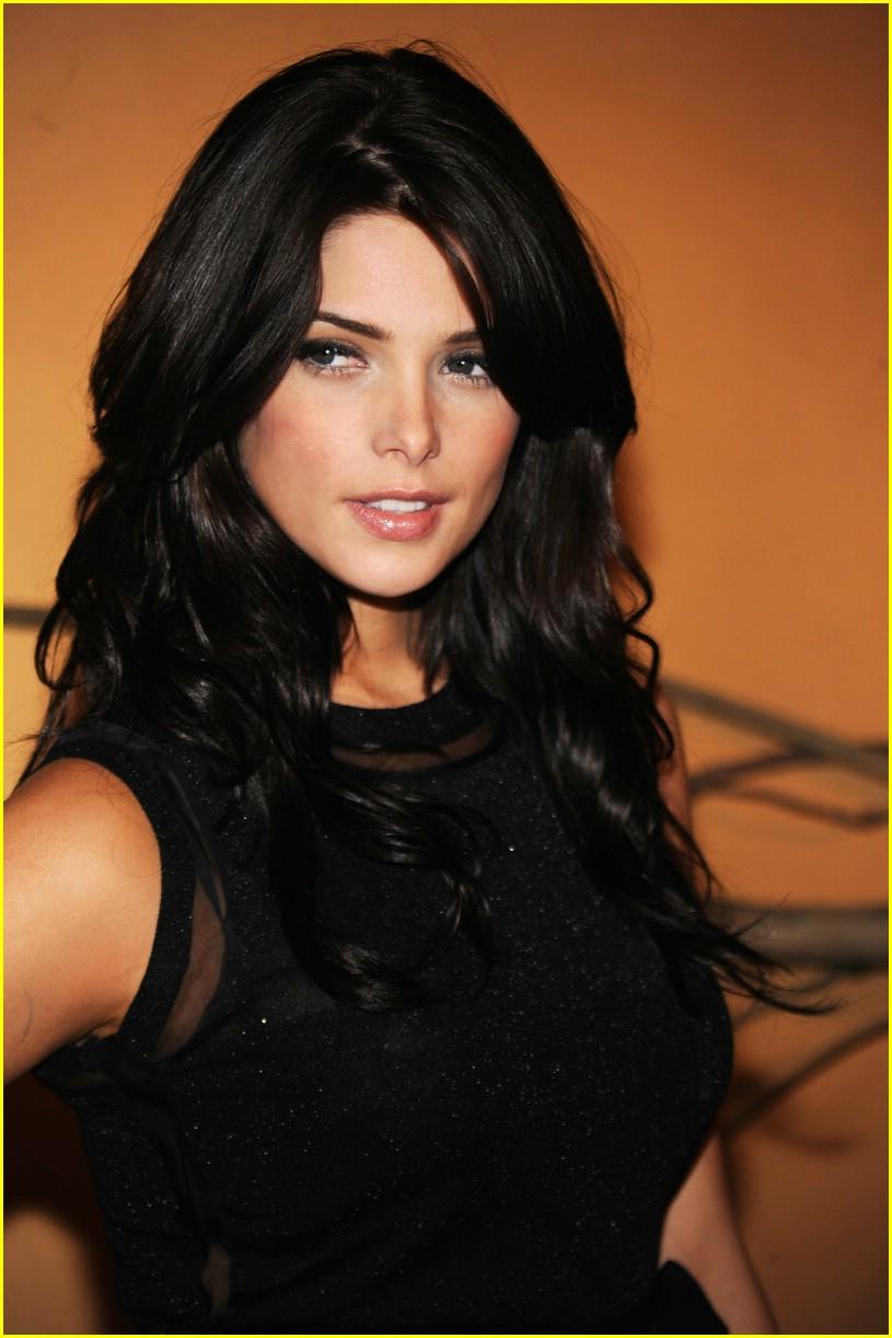 http://4.bp.blogspot.com/-3HFXG_EdHLU/TVROvIhxqSI/AAAAAAAADnM/DQ3bvzcCBUg/s1600/ashley-greene-burton-beauty-07.jpg