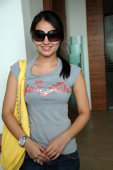 Aksha in Jeans