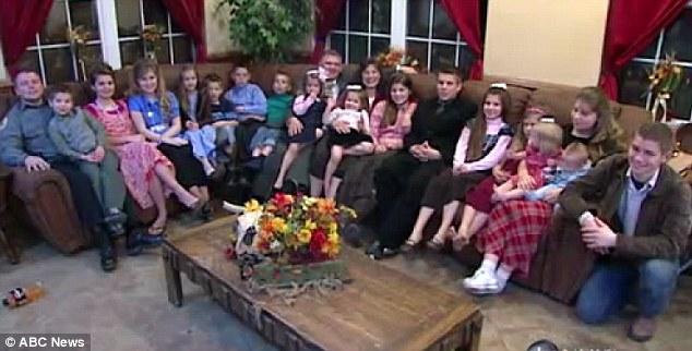 Keluarga+Miliki+18+Anak+Kandung Reality Show Teraneh Di Dunia