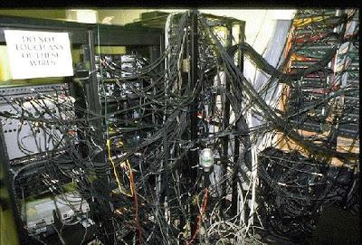 Cablage de serveurs monstrueux, vive le wifi