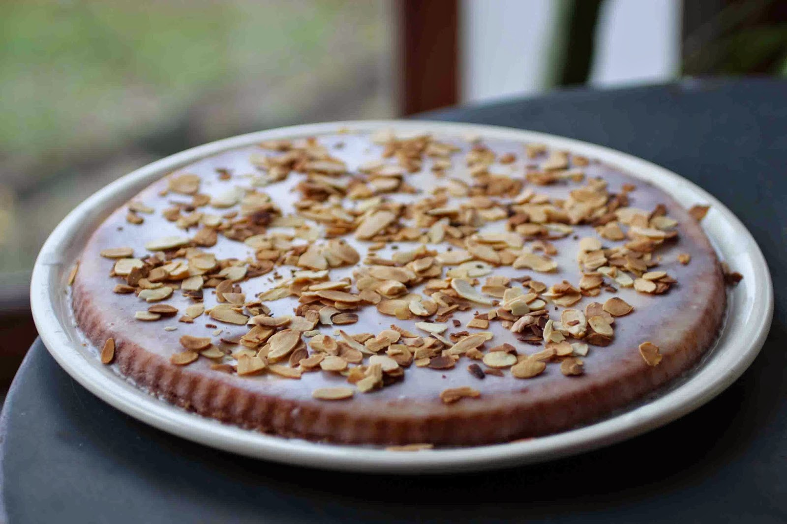 http://camilleenchocolat.blogspot.fr/2015/02/pithiviers-aux-amandes.html