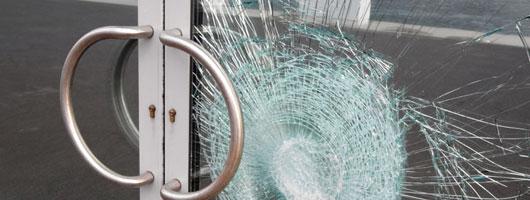 Pellicole per vetri pellicola per vetri antisfondamento - Pellicole adesive per vetri esterni ...