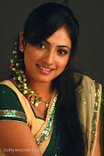 Hari Priya in Half Saree Photo Stills in Pilla Zamindar-thumbnail-8