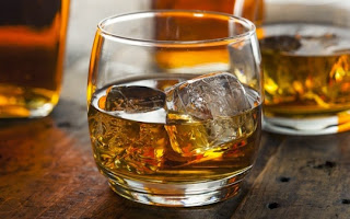 Τι θα πάθετε αν πίνετε πάνω από δύο ποτήρια αλκοόλ την ημέρα