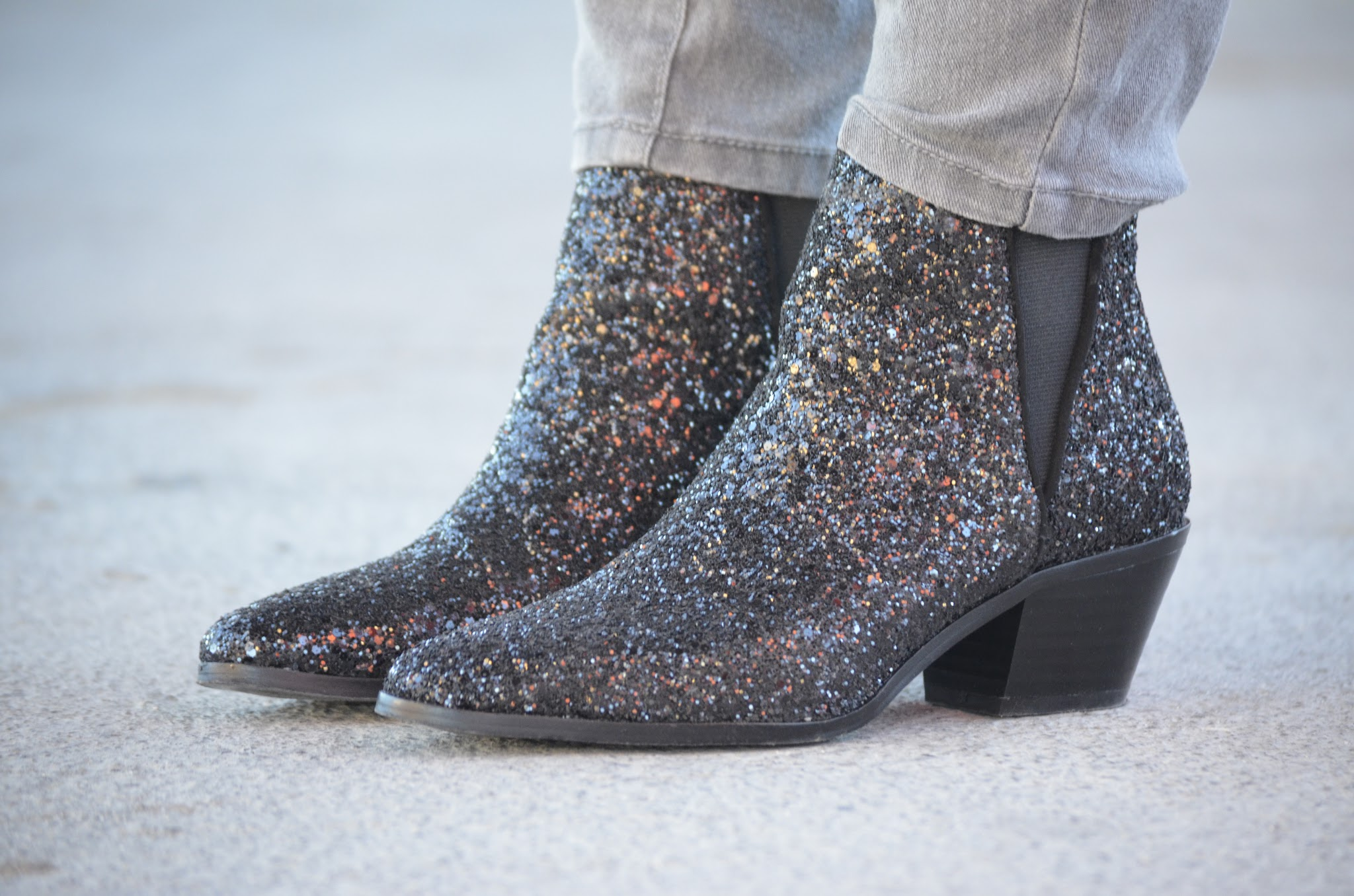 ZARA GLITTER BOTTIES
