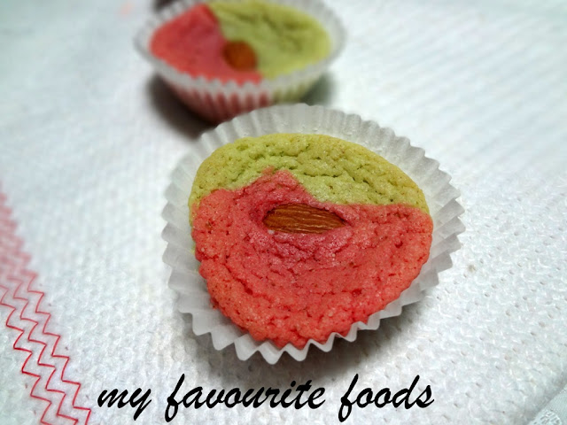 colored-almond cookies
