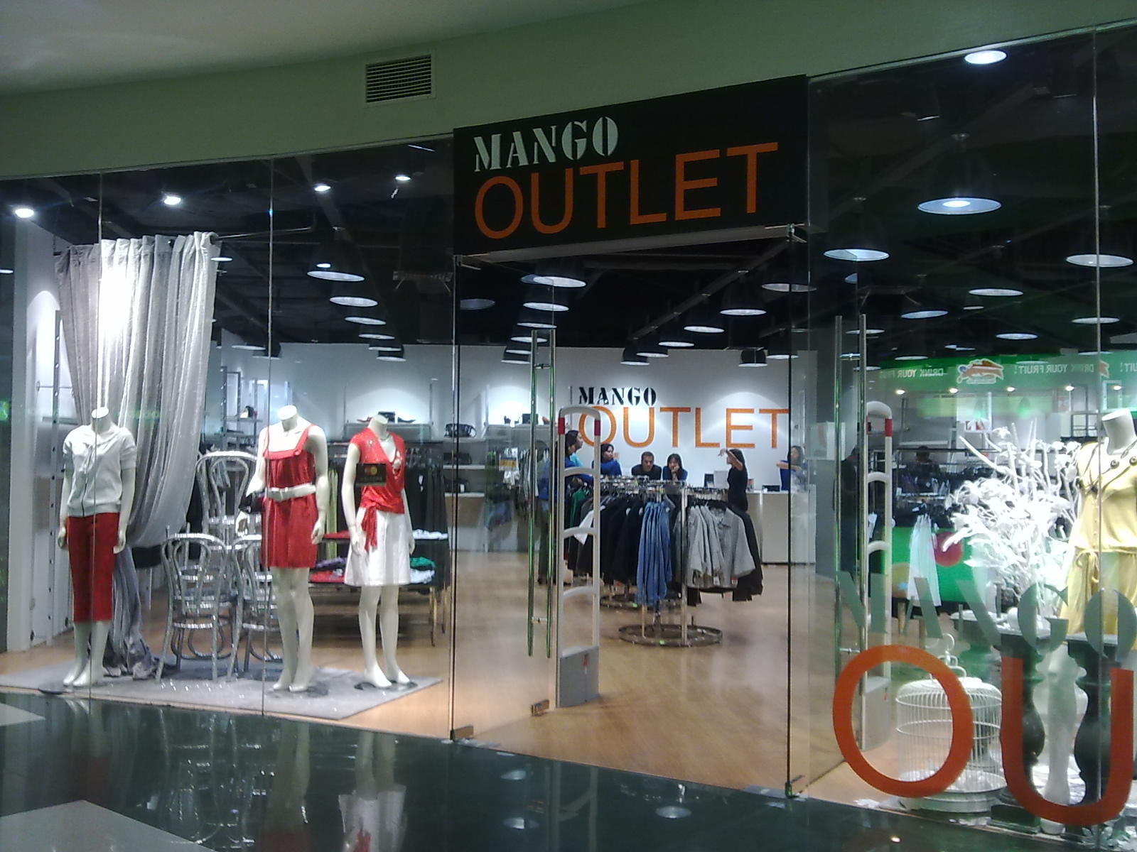Mango Outlet Stores Have Mushroomed Around The Country I Know Of The One In Pampanga But Ive Never Been There I Was Pleasantly Surprised To See That A