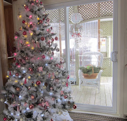 Christmas Tree In Shades Of Pink