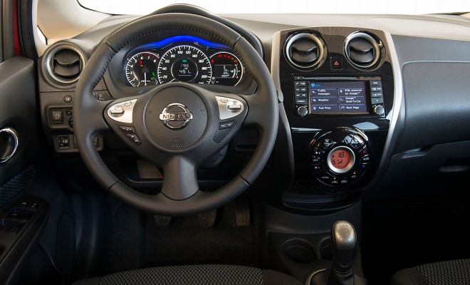 2014 Nissan Note cockpit