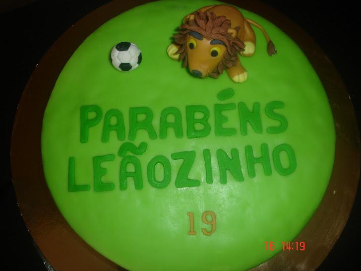 Bolo de aniversário do Sporting com leão