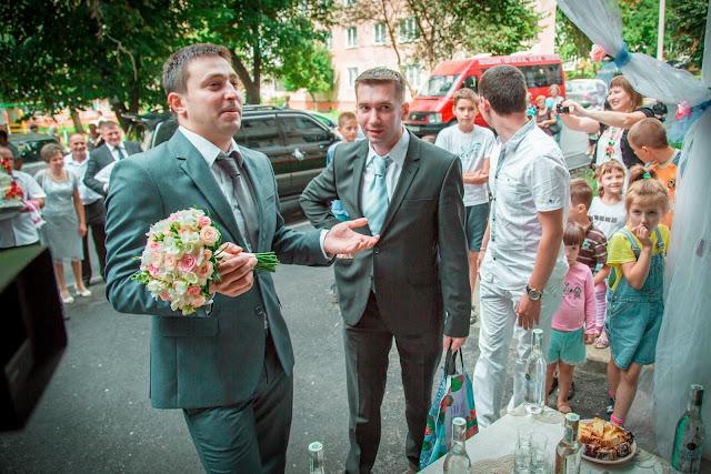 Торг за наречену на українському весіллі
