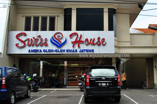Foto Swiss House Bakery Semarang