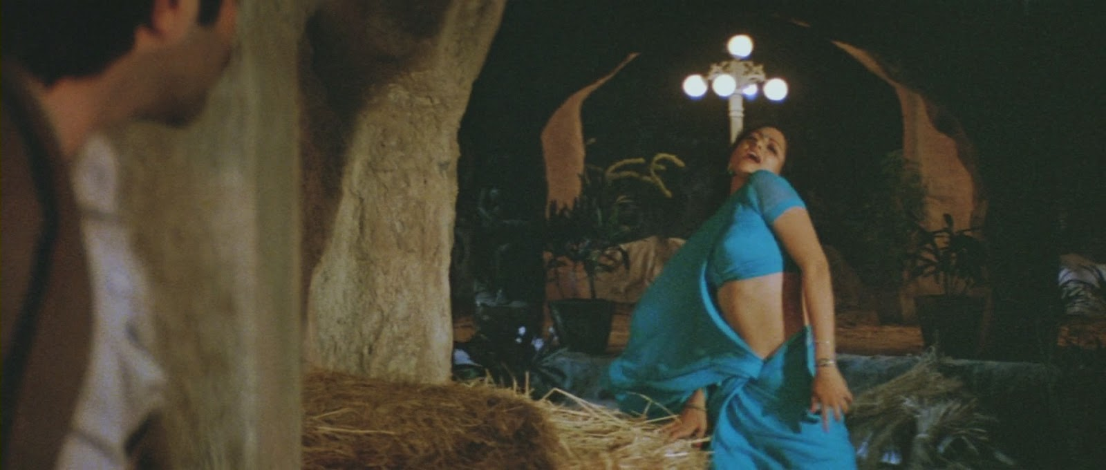 Sridevi Hot Bed Scene - YouTube