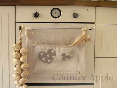 Country apple i love kitchen for Tutorial coprifornelli
