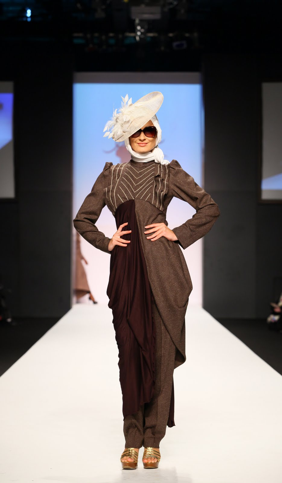 Hijab Style Rabia Z At Dubai Fashion Week
