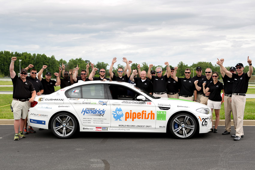 bmw performance driving school sets guinness world drift record with. Black Bedroom Furniture Sets. Home Design Ideas