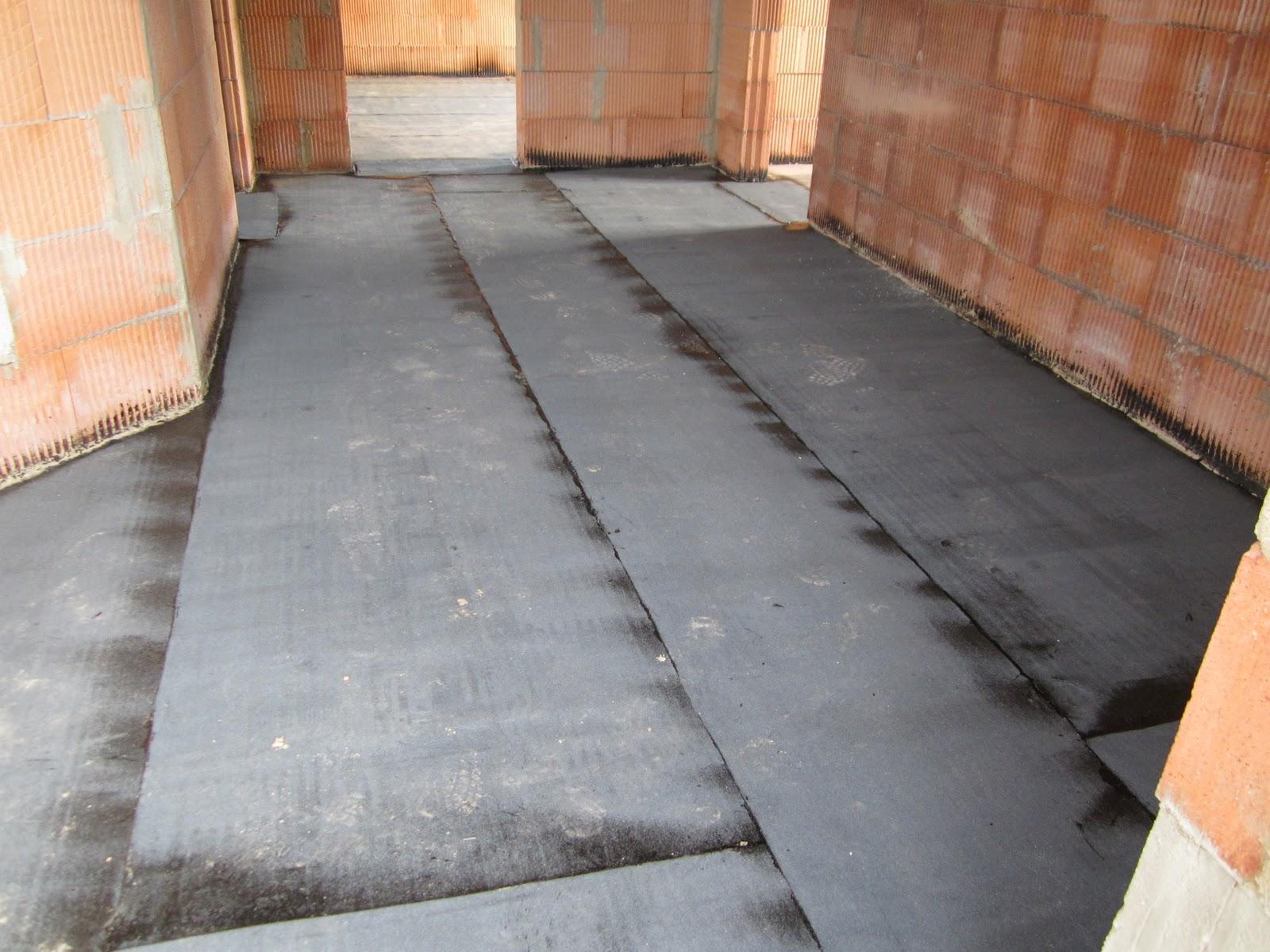 unser hausbau weitere dacharbeiten und versiegelung der bodenplatte. Black Bedroom Furniture Sets. Home Design Ideas