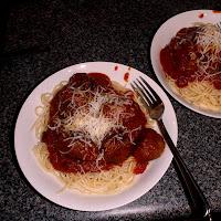 http://küchensachen.de/blog/kindheitserinnerungen-spaghetti-mit-fleischbaellchen/