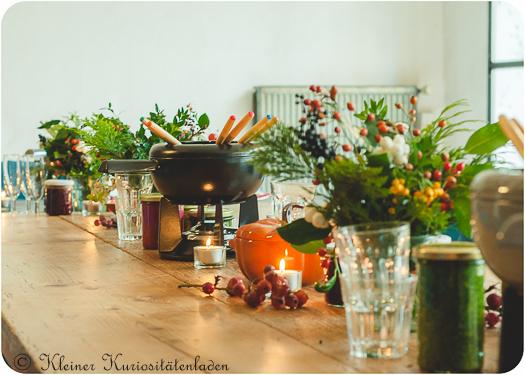 Tischdekoration mit Fonduetöpfen