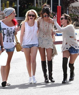 Selena Gomez with friends in Bakersfield