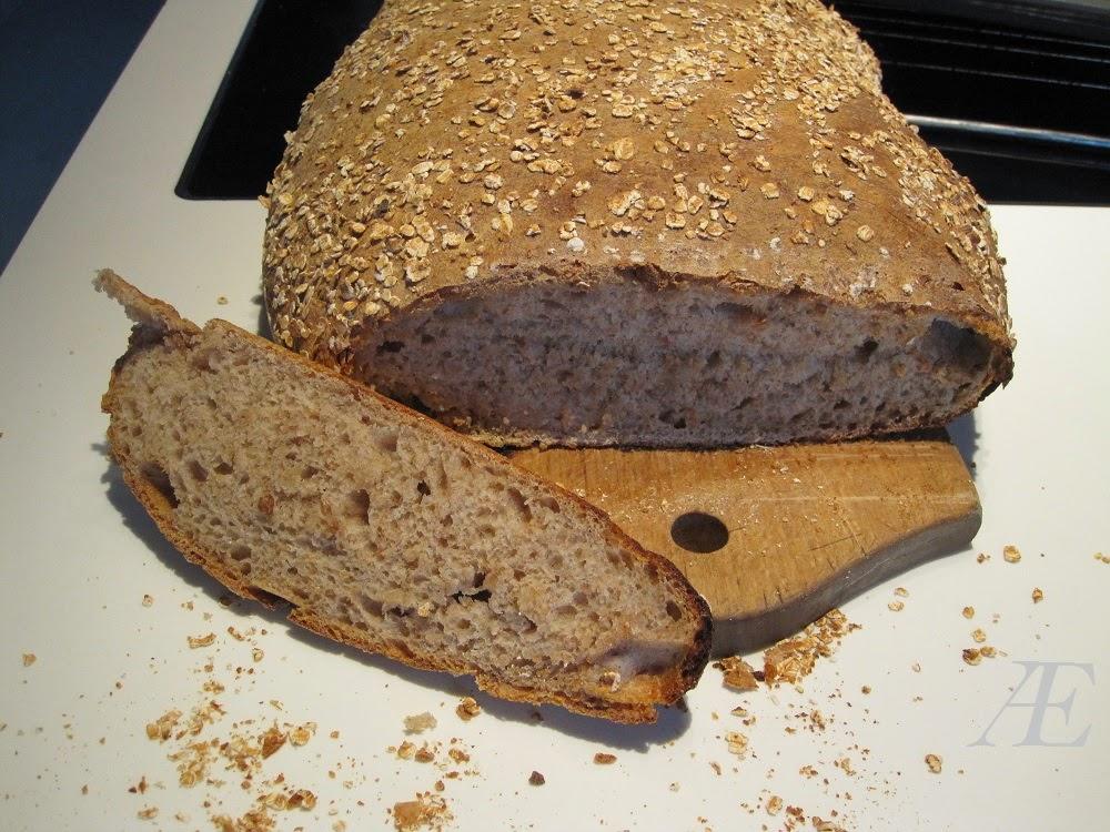 Fuldkorns hvedebrød med surdej spelt, mel, havdregryn, opskrift
