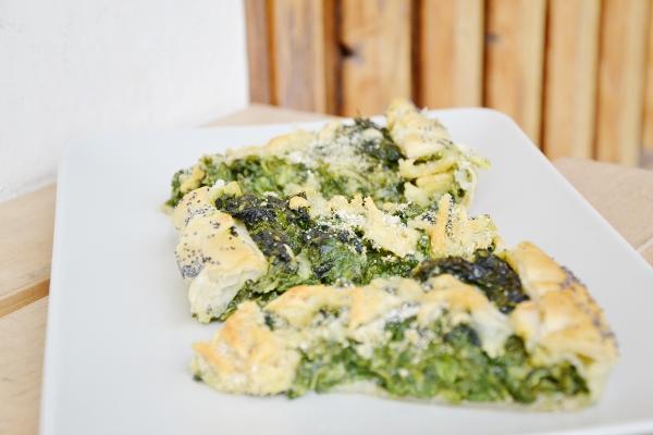 torta salata spinaci, stracchino e panna