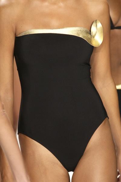 M O D E L U N A : Gottex Swimwear