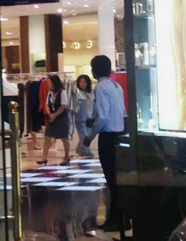 Siapakah gadis itu Membeli Belah Mall Mewah di Bangkok Harap harap Bukan Rosmah
