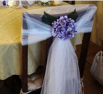 Wedding chairs decorated with ribbons and for Sillas para bodas