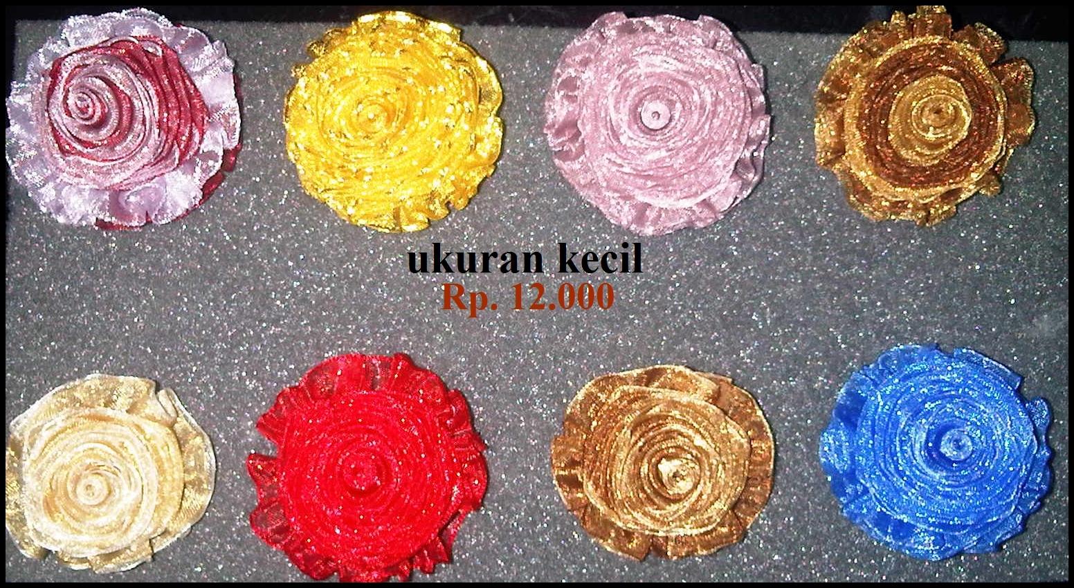 Rp. 12.000 - 15.000(kombinasi 2 warna) diameter 4cm