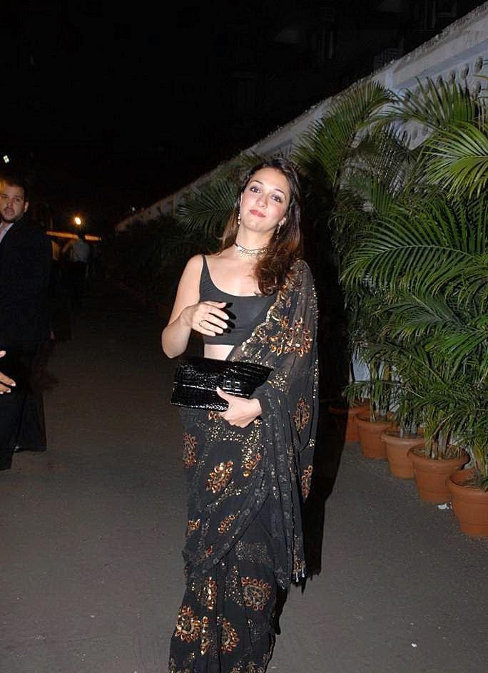 Nauheed Cyrusi Super Sexy Exposure In Transparent Blouse At Ayesha Takias Wedding Reception